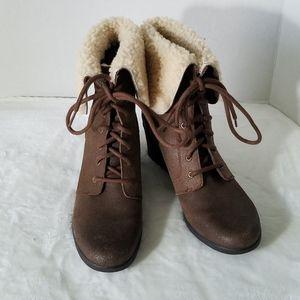 UGG Zea Brown Wedge Boots Sherpa Collar